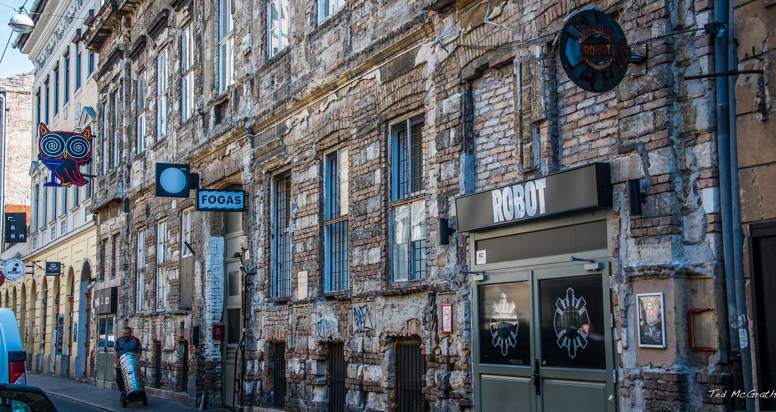 2018 - Hungary - Budapest - Fogas Ház - Ruin Bar