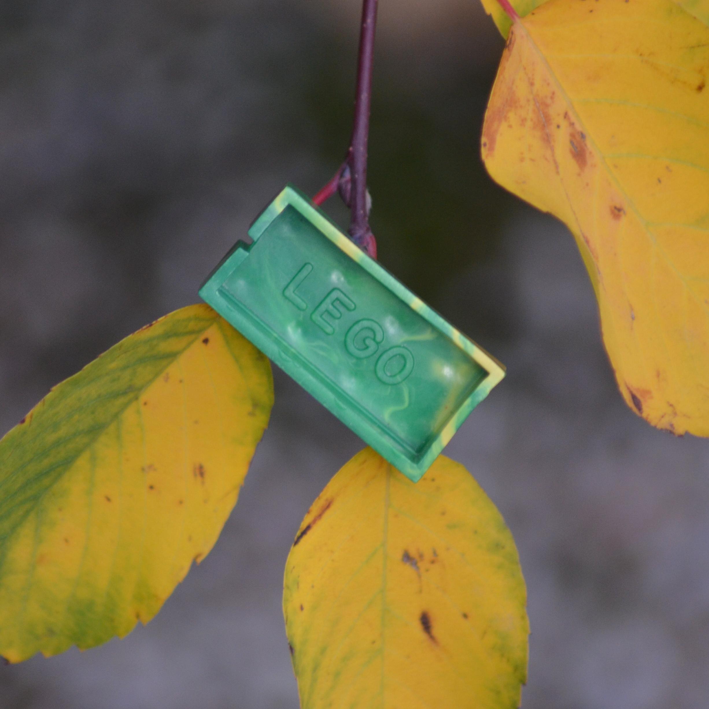 Natural brick (green/yellow marble)