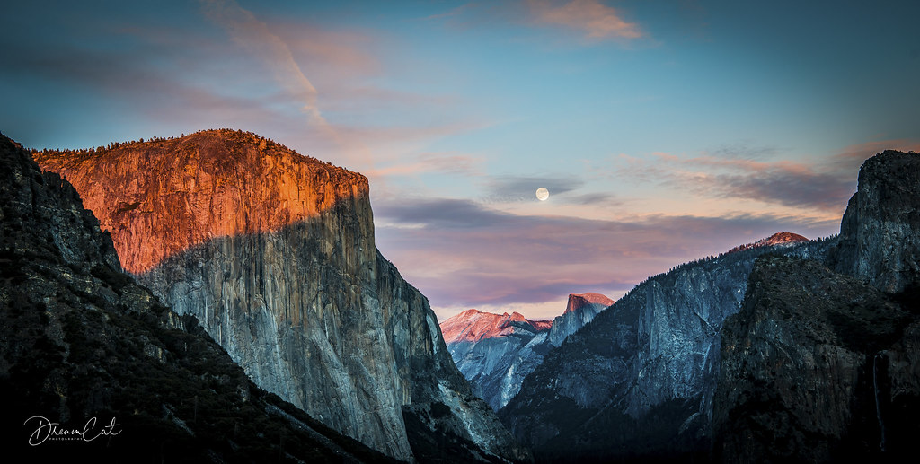 Tunnel view sunset and moon rise