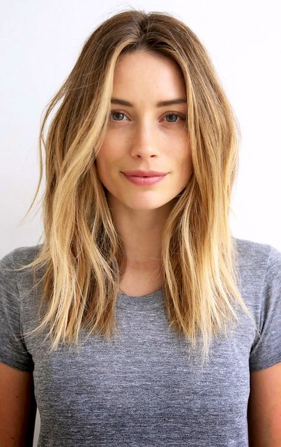 Style Inspiration : Arielle Vandenberg // beachy waves & a grey tee #style #fashion #casual #hair #…