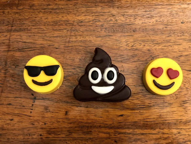 emoji oreopops