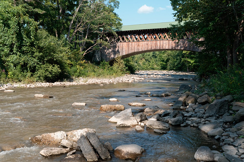 bridge water coveredbridge foxcreek creek flowingwater schohariecounty schoharievalley schoharie rural landscape newyork capitalregion nature beauty outdoor pentax pentaxart kp kmount hdpentaxda1685mmlens perspective lilypark