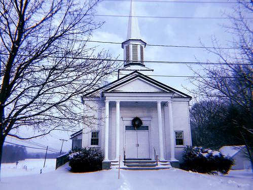 曇り 寒い 2017年 冬 雪 アメリカ ニューヨーク州 ニューヨーク centralsquare trees rural frozen snowy snow church winter2017 2017 winter eastcoast onondagacounty cny ny upstatenewyork centralnewyork newyork