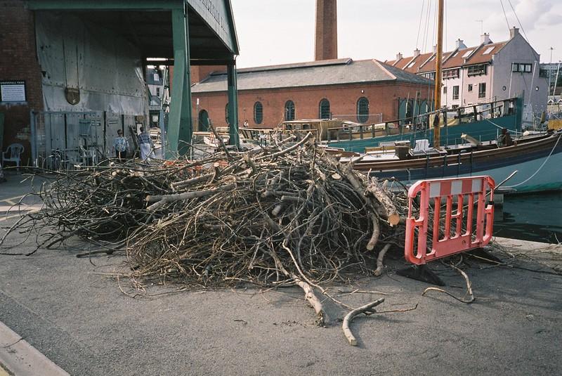 Piles of fig, Underfall Yard