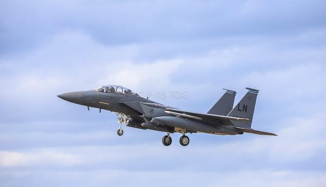 F-15e Landing Runway 24
