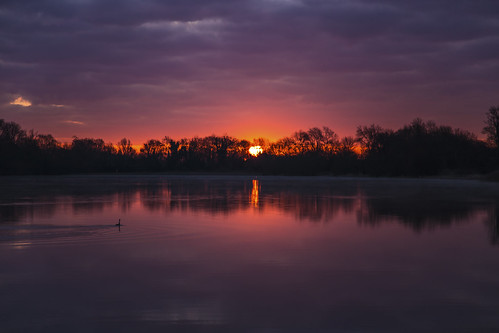 canon6d dawn sunrise sun silhouette water lake reflection calm redsky clouds cambrdigeshire uk