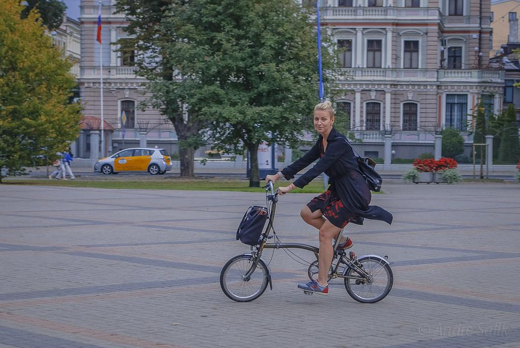 Лэди на велосипэде  12:41:29 DSC_0548