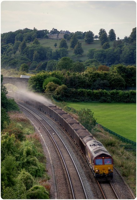 Spilling her load - class 66 66155 Bristol East Depot to Banbury reservoir Rland running 163m early 5th Sept 18