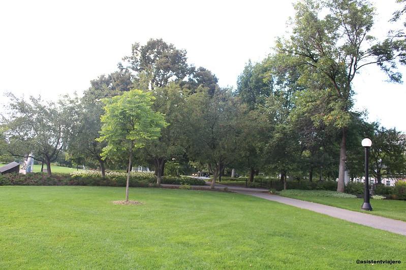 Ottawa Major's Hill Park  3