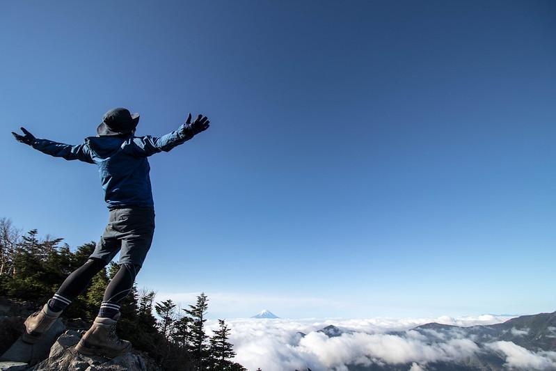 甲武信岳の山頂から富士山