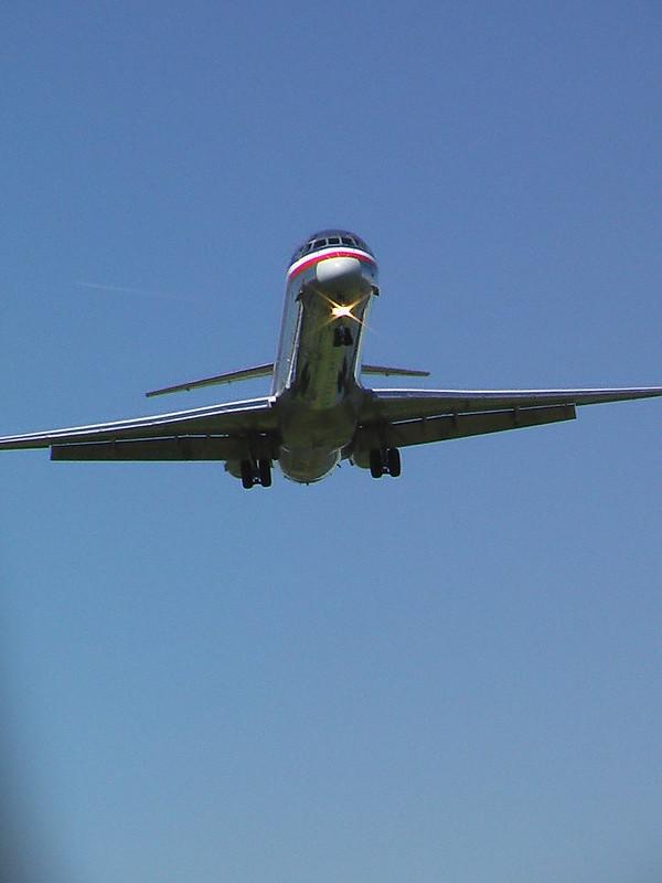 Landing at National Airport, Washington, D.C. (pingnews)
