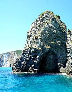 Tämän luolan läpi pääsi uimaan | by helipekkarinen