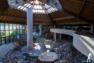 Lost Places: Das Spaßbad   by smartphoto78