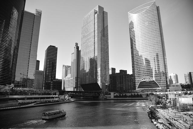Chicago River - City canyon - 2018