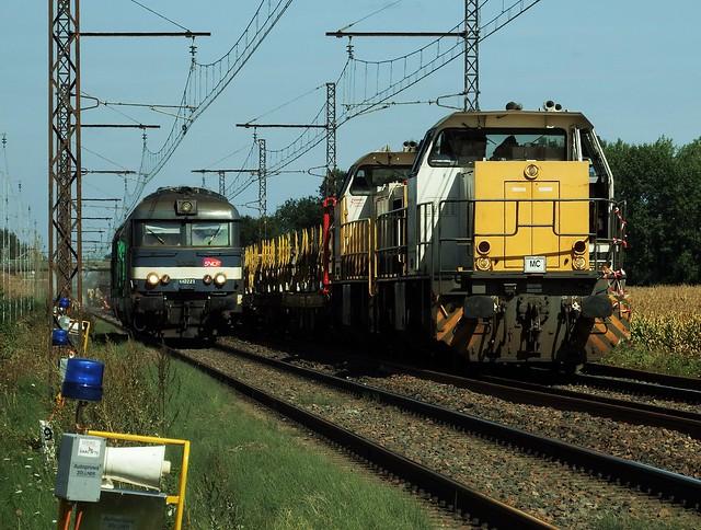 BB 67221 (ex BB 67081) Infra + Vossloh G1206 61497+61498 ETF Amboise - Limeray (37 Indre et Loire) 28 Août 2018a