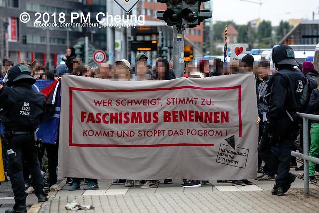"""Pegida-AfD-Pro Chemnitz Trauermarsch und Gegenprotest """"Herz statt Hetze"""" – 01.09.2018 – Chemnitz –IMG_6539"""