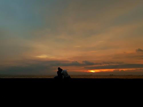 2018p52 sunset silhouette