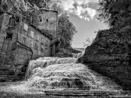 revolt iphoneographer iphoneography iphoneology iphonology ithacaisgorges gorges fingerlakes upstatenewyork upstateny upstate ny newyork firstdam vannattasdam ithaca historic old decay nature water river mill urbandecay abandoned blackandwhite waterfalls waterfall