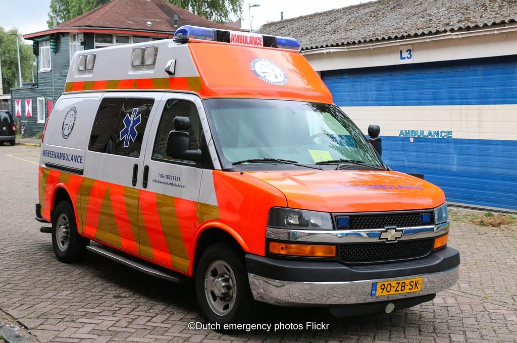 Dutch Vza Ambulance Chevrolet Gmt610 Brand Chevrolet Mode Flickr