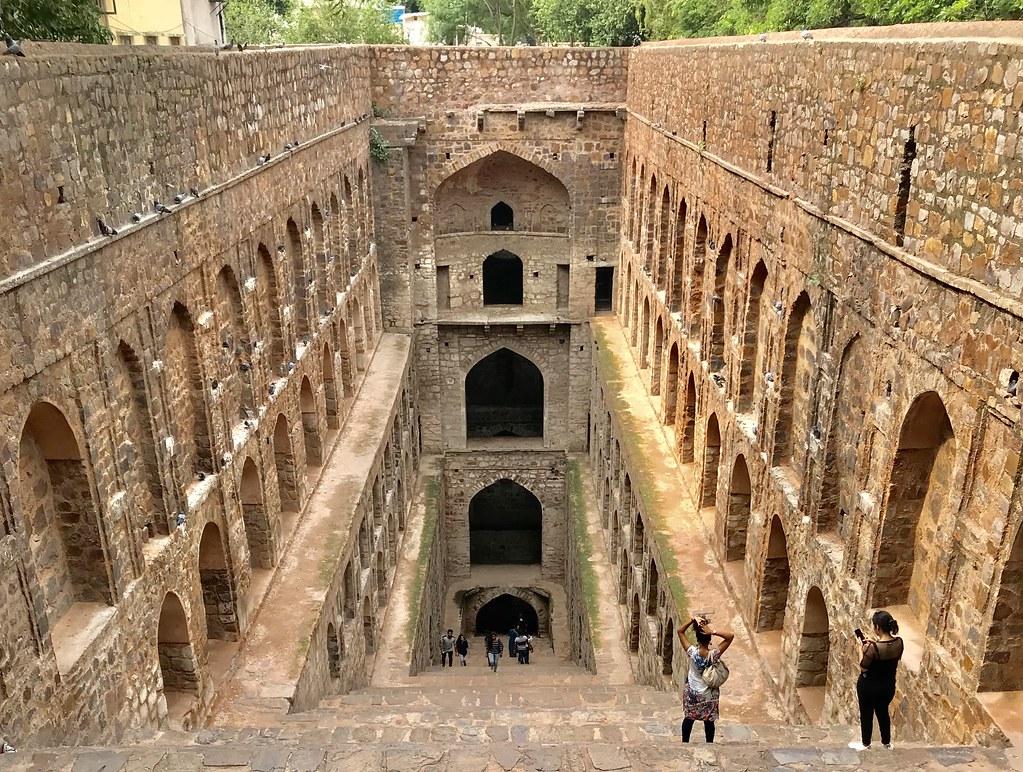 Agrasen Ki Baol tourist places in Delhi