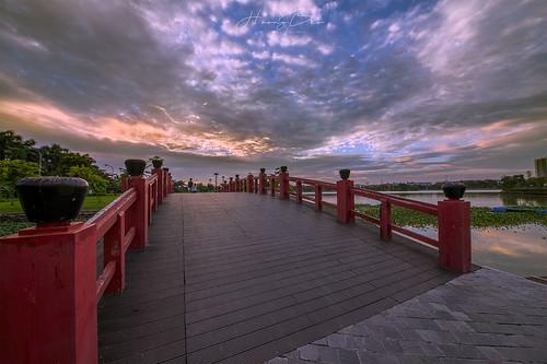 sigma1224mmii sonyilce7r côngviên câycầu hoànghôn chungcưanbình thànhphốgiaolưu côngviêngiaolưu asian clouds sky bridge sunset outdoor