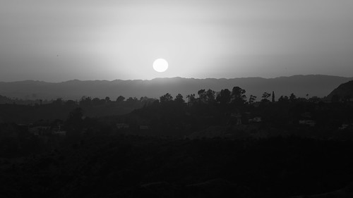 horizon usa landscape sunset northamerica himmel losangeles buildings hills horizont california unitedstatesofamerica monochrome schwarzweis griffithobservatory häuser layers sky trees hügel blackandwhite mounthollywood sonnenuntergang unitedstates us