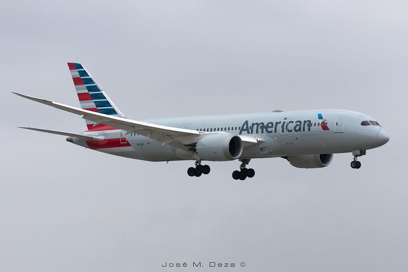 American Airlines B787-8 N818AL