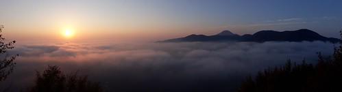 alba sunset sole nebbia fog paesaggi landscape appenini revellone castelletta marche estate summer montagne mountains panoramica