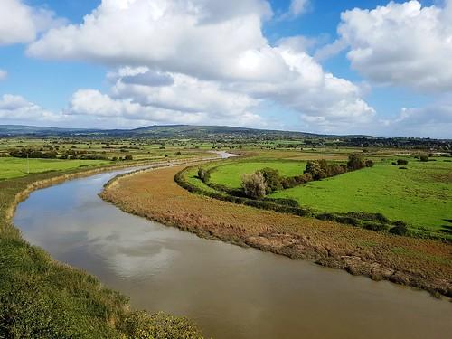bunrattycastlefolkpark river raltyriver ireland