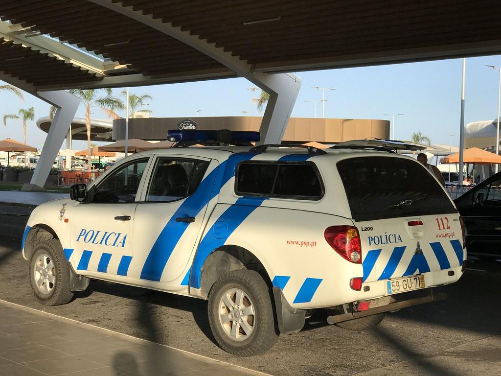 Police Car Portugal - Mitsubishi L200 Pickup Truck - Polic