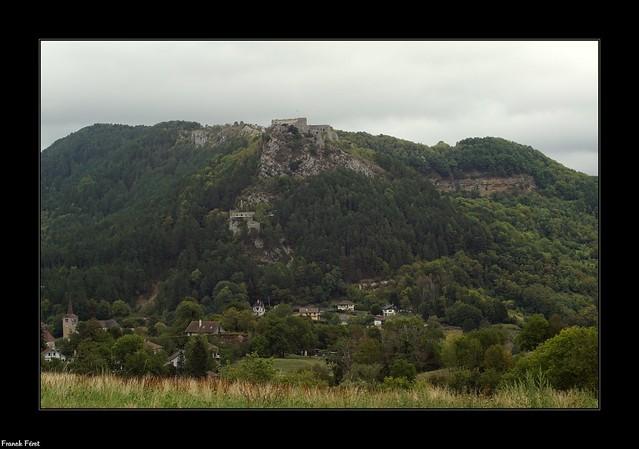 Vue sur le Fort Belin et la Roche Pourrie - Salins Les Bains - Jura