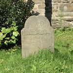 Grabstein an der St.-Georgs-Kirche