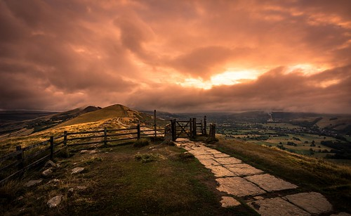 naturalphotography naturalworld sunrise tokina1120mmatx tokina wideangle ultrawide sky clouds cloudscape greatridge mamtor castleton derbyshire nikon d7200