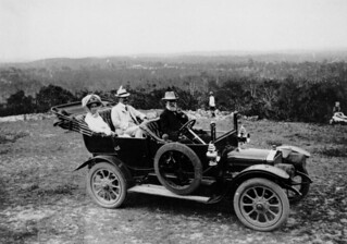 Talbot motor car parked at Whites Hill, Brisbane, 1911