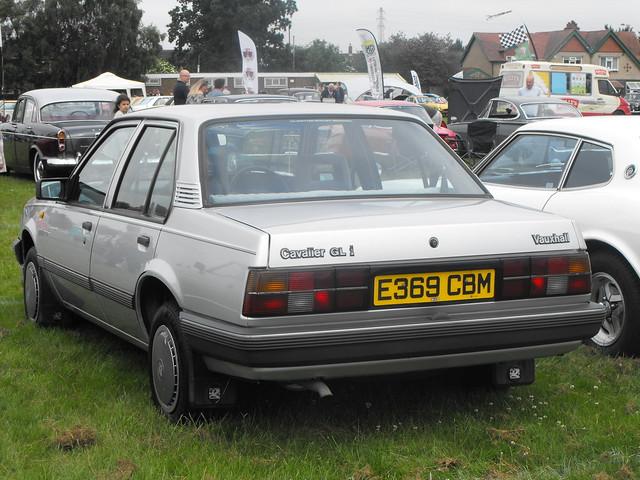 Vauxhall Cavalier - E369 CBM (2)