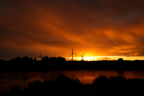 sunrise windturbines sun sunlight reflections water lake scunthorpe clouds canon eos1dxmk2 tamron 1530mmf28 wideangle morning northlincolnshire colourful orangeskies britain uk fullframe