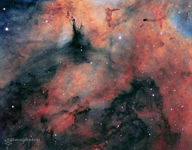 Inside the Butterfly nebula in HST palette