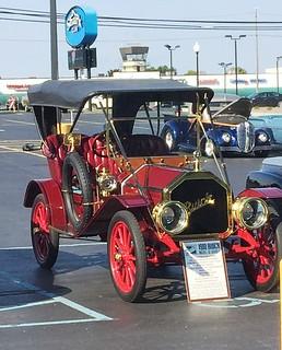 1910 Buick Model 16 Surrey