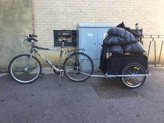 Stuff I carry on my bike - horse manure 18-09-16 (01)
