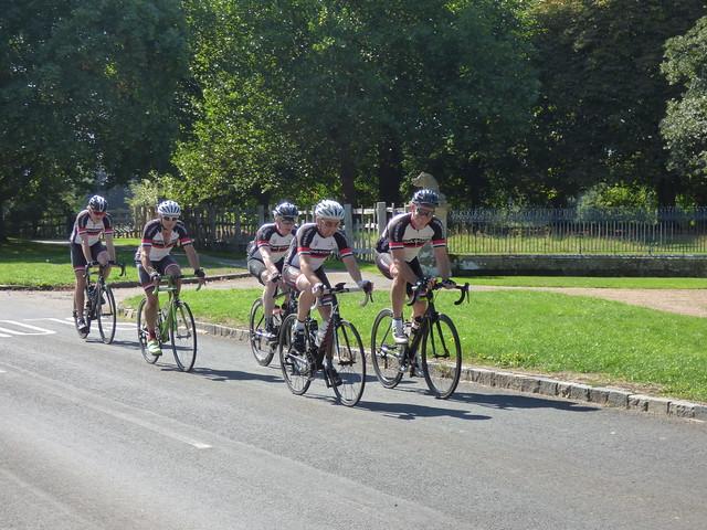Tour de Warwickshire past Charlecote Park