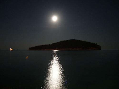 Drubovnik moon