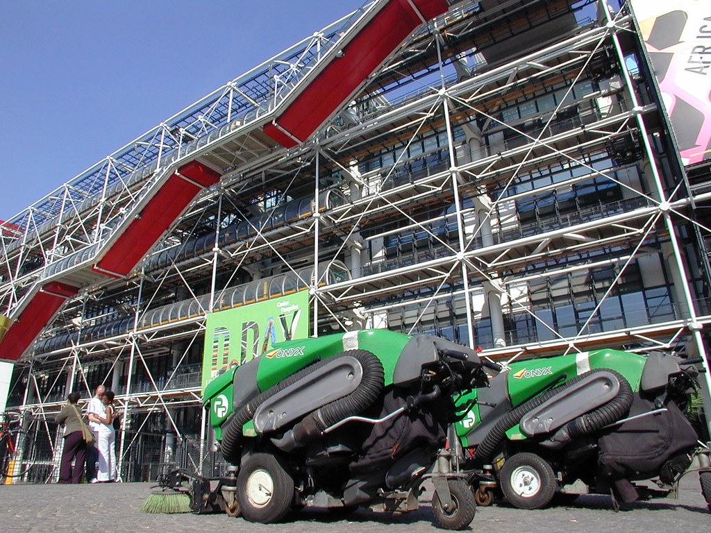 Robots at the Pompidou
