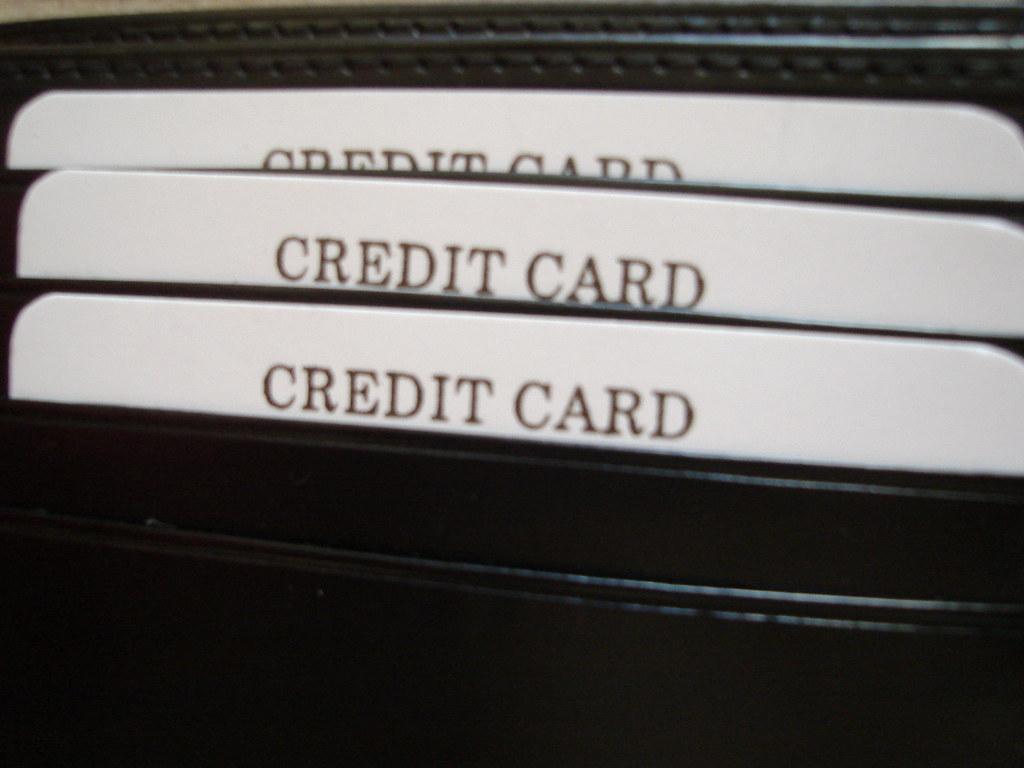 DIFRWear vegan rfid-blocking wallet