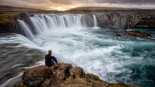 iceland godafoss waterfall sunset sunrise water selfie dramatic landscape