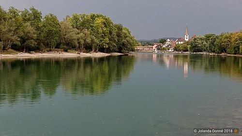 diessenhofen bäume holzbrücke rhein wasser thurgau ostschweiz schweiz sonyxperiaxz2 sonyh8216 handyfoto gewitterstimmung