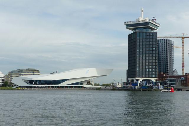 Eye filmmuseum en Overhoeks Toren A'dam Lookout