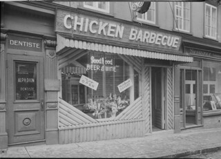 Nick's Chicken Barbecue restaurant, Quebec City, Quebec / Le restaurant Nick's Chicken Barbecue, Québec (Québec)