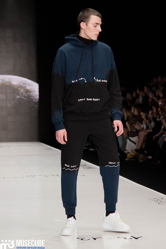 mercedes_benz_fashion_week_black_star_wear_005