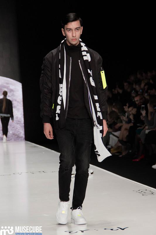 mercedes_benz_fashion_week_black_star_wear_031