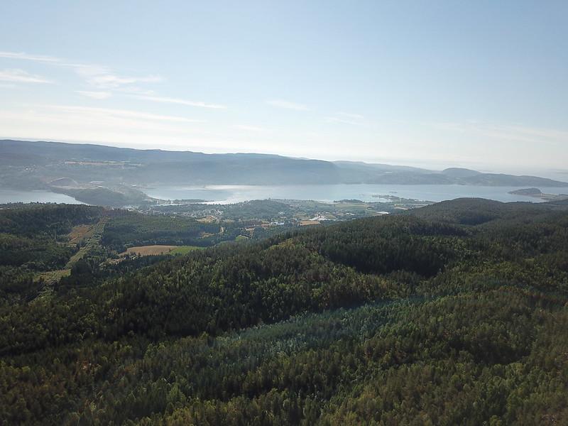 03-Utsikt mot Svelvik fra Seteråsen (drone)
